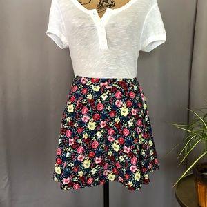 🆕 FOREVER 21 floral a-line miniskirt
